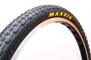 Покрышка Maxxis FlyWeight 330